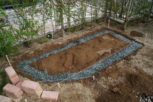 【DIY】レンガでカーブデザインを取り入れた花壇作りに挑戦!